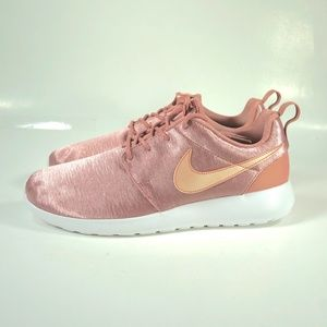 Nike Roshe One Premium Rust Pink